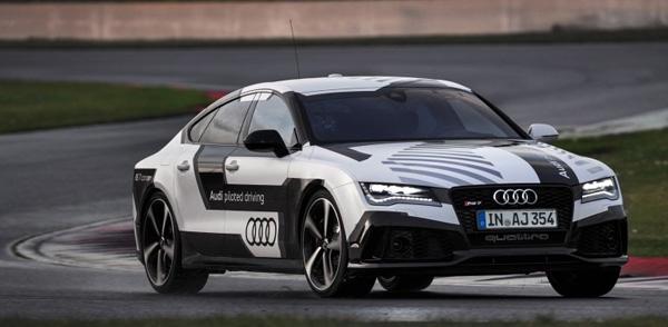 Полностью роботизированный Audi RS 7 разогнался до 220 км/ч.